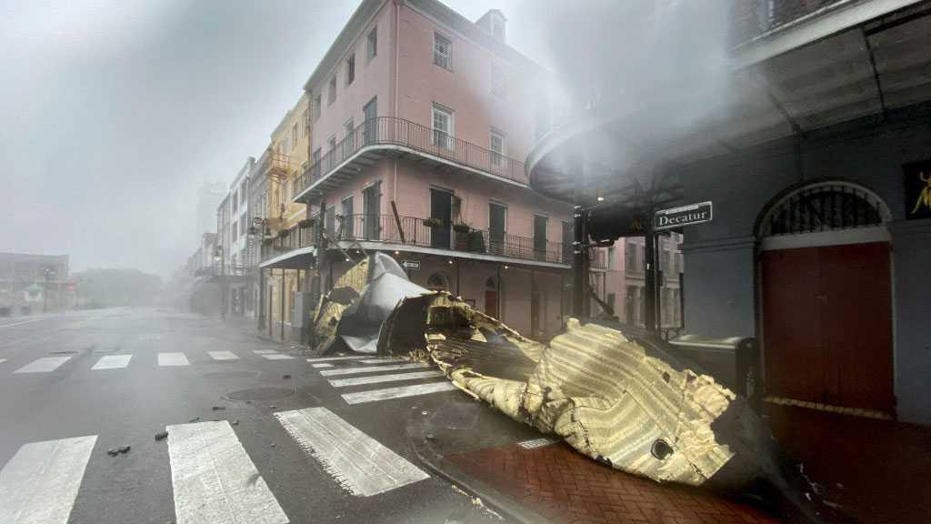 Hurricane Ida: New Orleans Loses Power as Storm Strikes