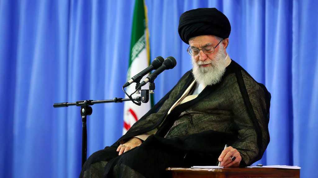 Imam Khamenei Condoles with Sayyed Nasrallah over Prominent Shia Figure's Demise