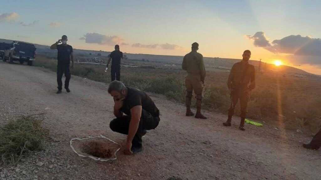 Security Failures, Sleeping Guard: How Did Six Palestinians Manage to Escape Heavily-guarded 'Israeli' Jail?
