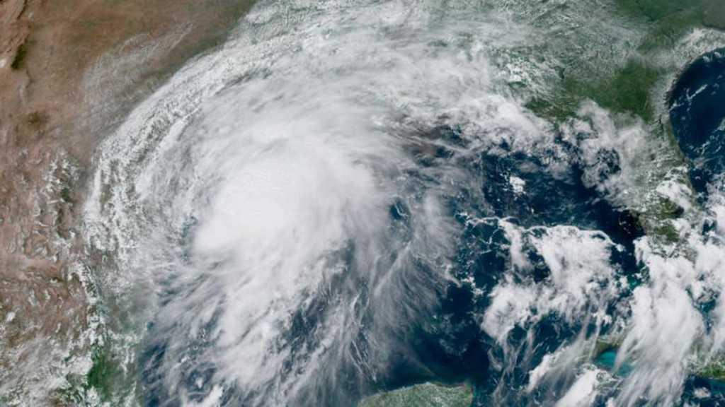 NHC: Hurricane Nicholas Makes Landfall along Texas Coast