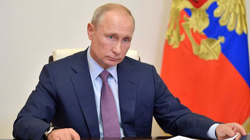 Putin to Self-Isolate After COVID-19 Case Confirmed in Entourage