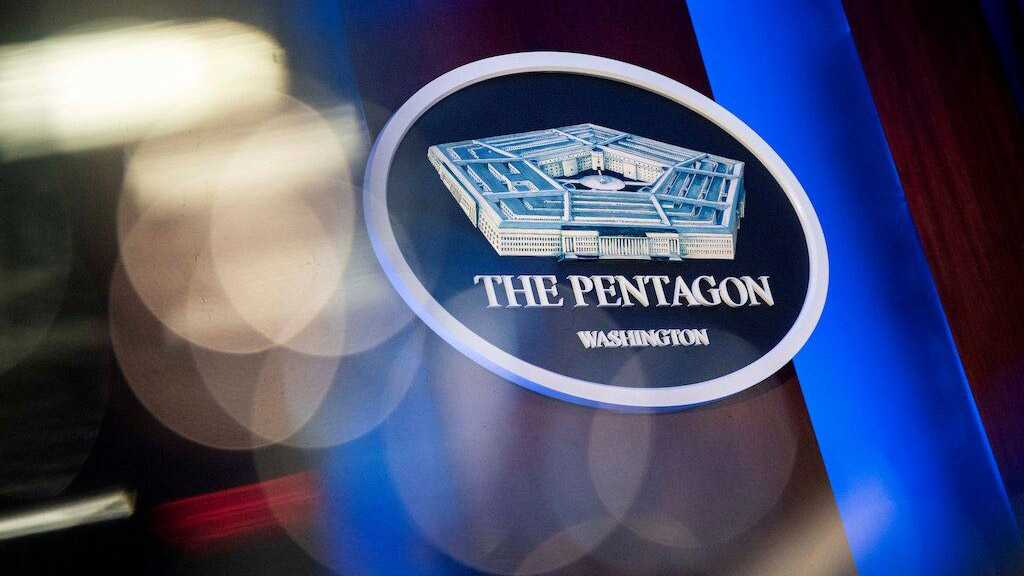 """Pentagon Holds """"Frank"""" Talks with Chinese Military"""