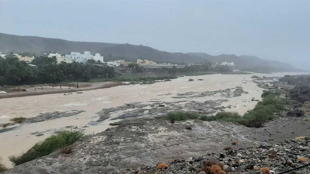 Cyclone Lashes Oman and Iran, Kills At Least Nine