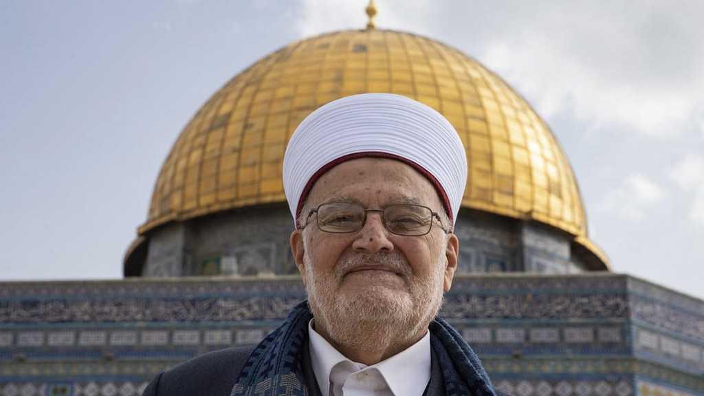 IOF Storm Home of Al-Aqsa Mosque Preacher for Questioning
